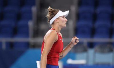 Marketa Vondrousova reacciona ante la impactante Naomi Osaka en los Juegos Olímpicos de Tokio