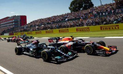 Webber dice 'traer más' duelos Verstappen / Hamilton