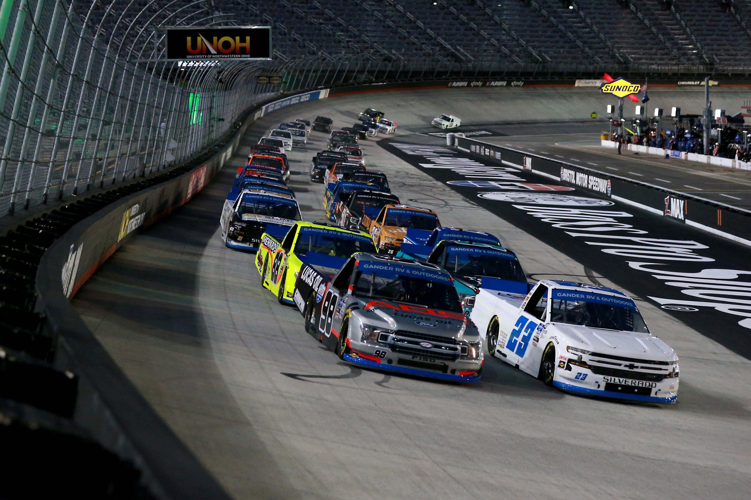 Alineación de salida de Bristol: septiembre de 2021 (NASCAR Truck Series)
