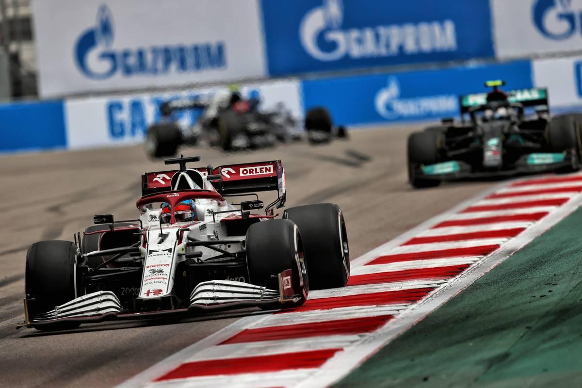 Kimi Raikkonen (FIN) Alfa Romeo Racing C41.  26.09.2021.  Campeonato del Mundo de Fórmula 1, Ronda 15, Gran Premio de Rusia, Autódromo de Sochi, Sochi