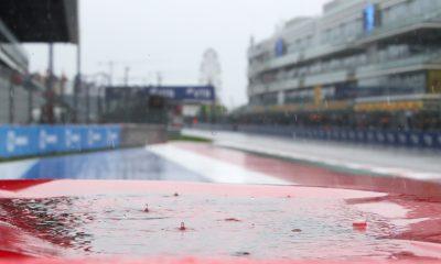Lluvia cayendo en el circuito de Sochi.  Rusia septiembre 2021