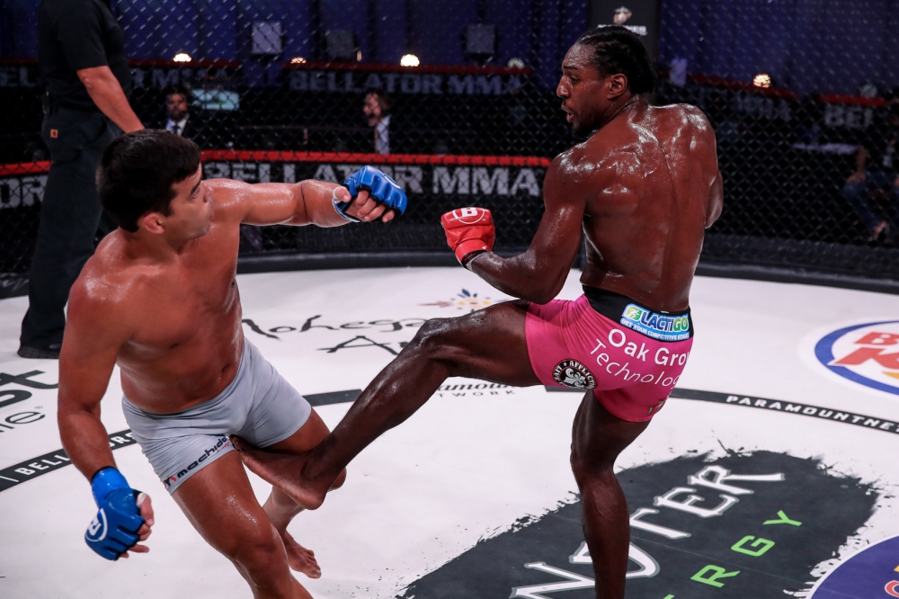 Phil Davis emocionado por el enfrentamiento con el poderoso y rápido Yoel Romero