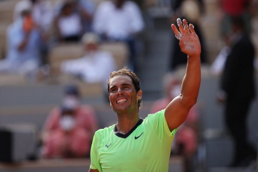 'Rafael Nadal tuvo que sonreír, lanzar una raqueta no era una opción', dice Toni Nadal