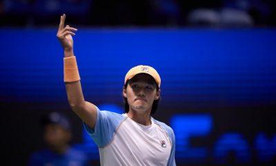 Soonwoo Kwon reacciona al ganar su primer título ATP en el Astana Open