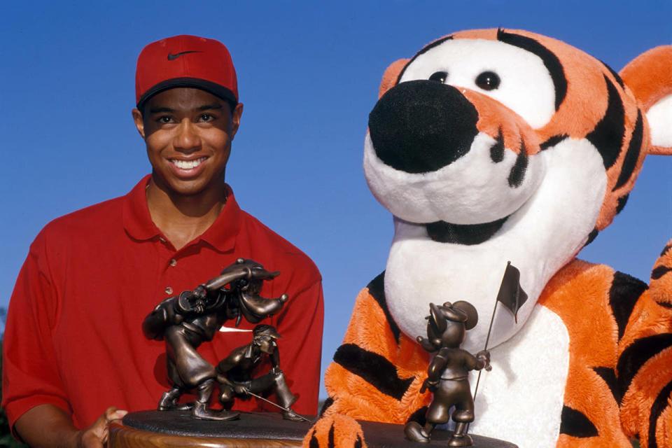 Tiger Woods busca trofeos para su inducción al Salón de la Fama del Golf Mundial 2022