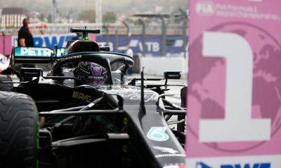 Ganador de la carrera Lewis Hamilton (GBR) Mercedes AMG F1 W12 en el parque cerrado.  26.09.2021.  Campeonato del Mundo de Fórmula 1, Ronda 15, Gran Premio de Rusia, Sochi