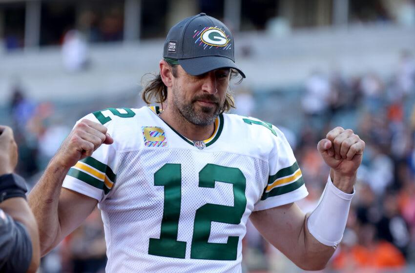 CINCINNATI, OHIO - 10 DE OCTUBRE: Aaron Rodgers # 12 de los Green Bay Packers contra los Cincinnati Bengals en Paul Brown Stadium el 10 de octubre de 2021 en Cincinnati, Ohio.  (Foto de Andy Lyons / Getty Images)