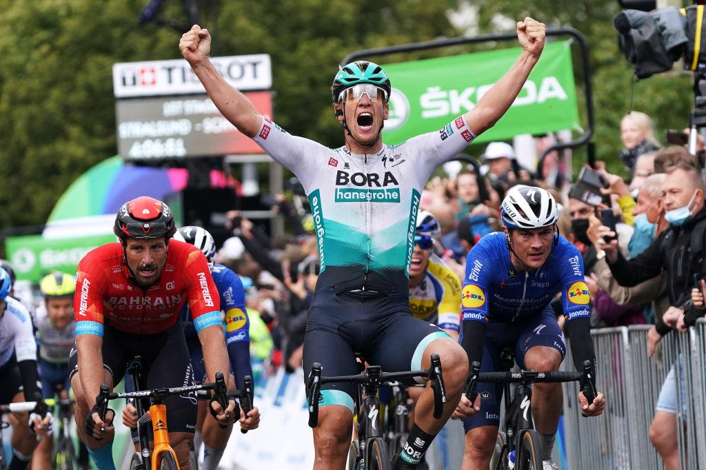 Ackermann y Schwarzmann se van de Paris-Tours después de dar positivo por COVID-19