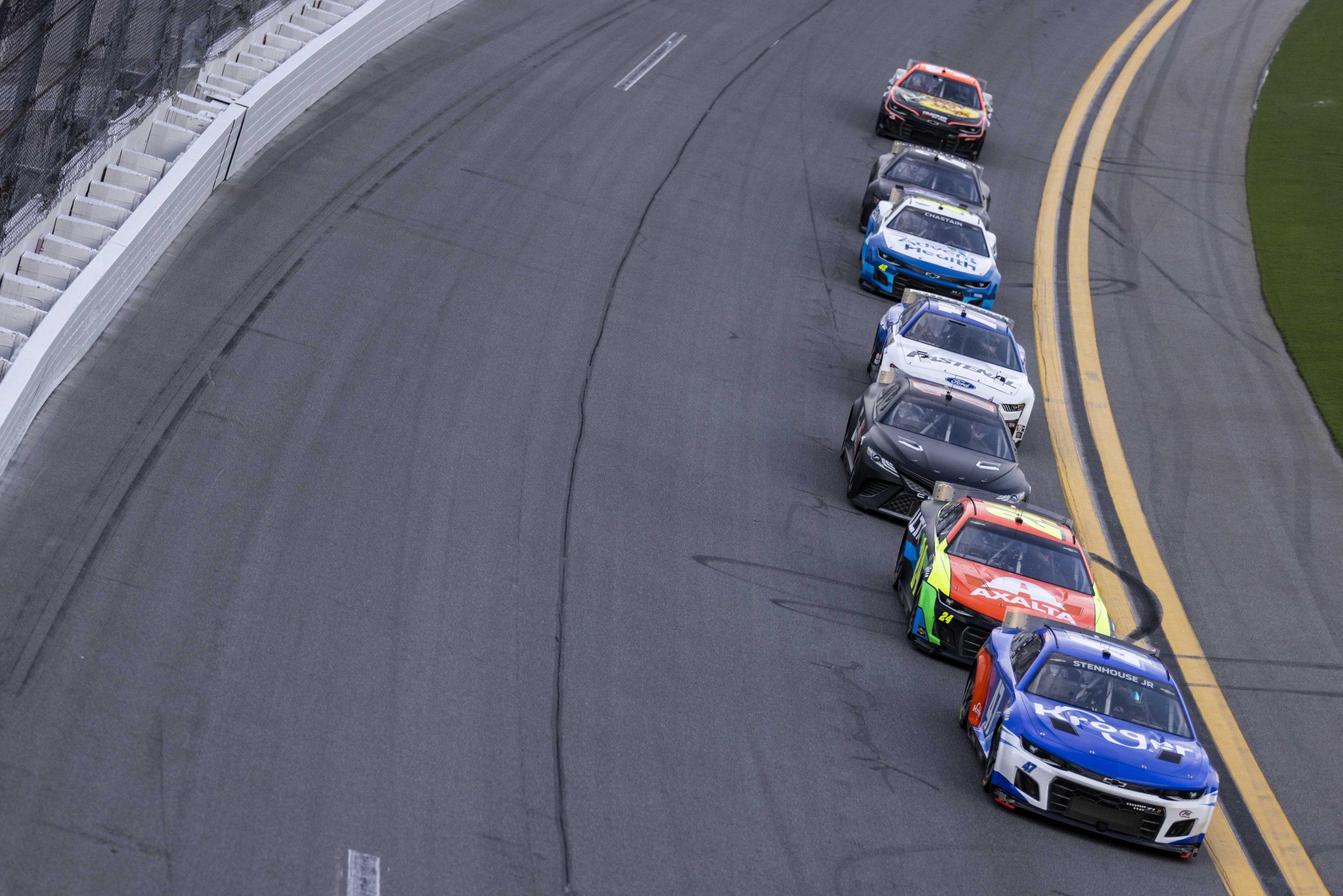 El equipo Hezeberg participará en la Copa NASCAR 2022 para Villeneuve, Hezemans