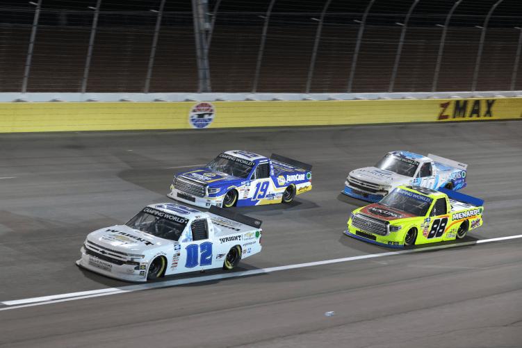 El jefe de equipo de NASCAR Truck Series, Eddie Troconis, suspendido indefinidamente por infracción de conducta