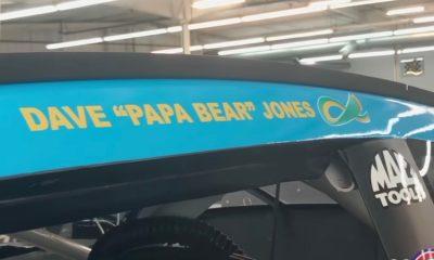 Erik Jones lleva el nombre de su padre en el automóvil en Kansas gracias al grupo cuarenta y tres de Facebook