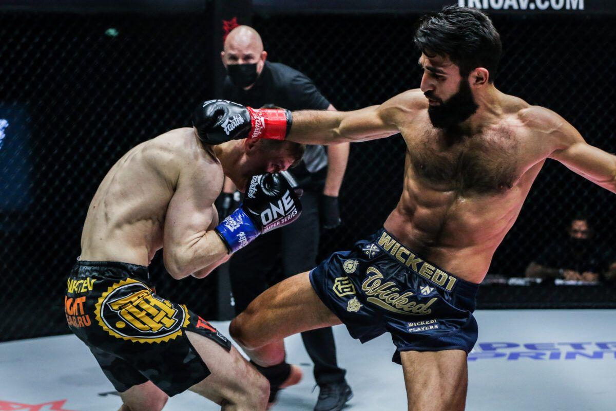 Los kickboxers Marat Grigorian e Ivan Kondratev pelean en ONE: BIG BANG