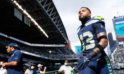 19 de septiembre de 2021;  Seattle, Washington, Estados Unidos;  El profundo fuerte de los Seattle Seahawks, Jamal Adams (33), regresa al vestuario luego de los calentamientos previos al juego contra los Tennessee Titans en Lumen Field.  Crédito obligatorio: Joe Nicholson-USA TODAY Sports