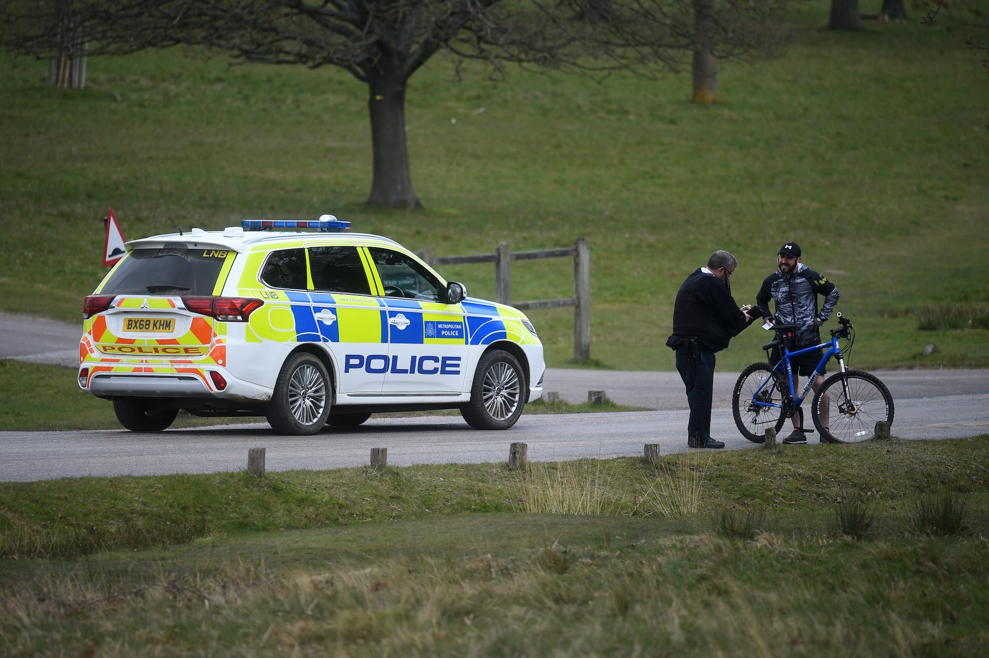 La policía insta a los ciclistas a ser cautelosos después de múltiples robos de bicicletas en Richmond Park