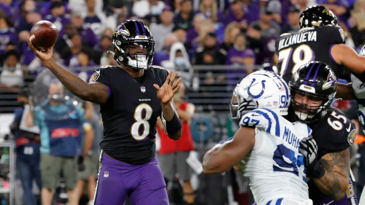 Lamar Jackson de los Ravens agradece al árbitro por llamar rudo al pasador