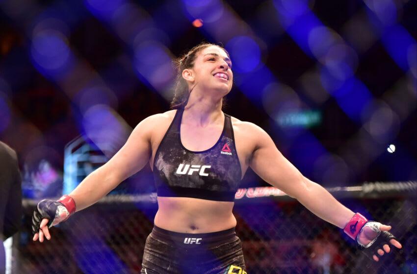 12 de mayo de 2018;  Río de Janeiro, RJ, Brasil;  Mackenzie Dern reacciona después de derrotar a Amanda Cooper (no visto) durante UFC 224 en Jeunesse Arena.  Crédito obligatorio: Jason Silva-USA TODAY Sports