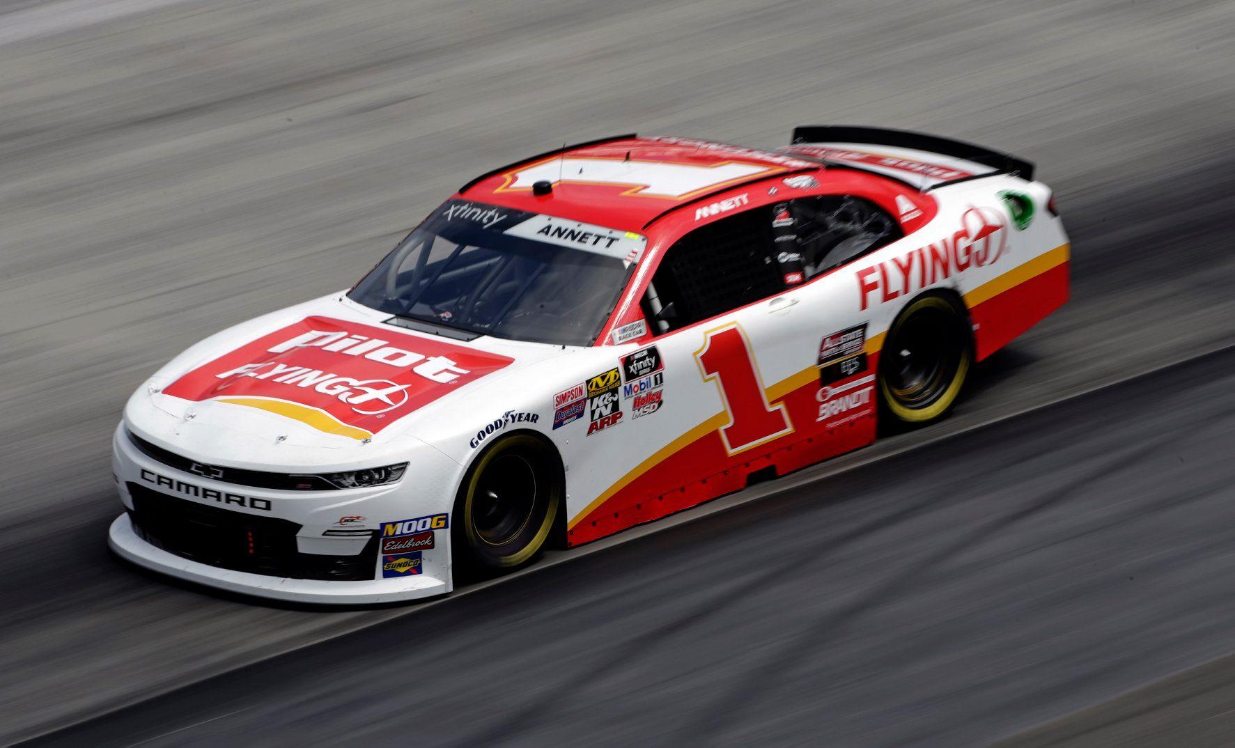 Michael Annett se retirará de la competencia de NASCAR a tiempo completo