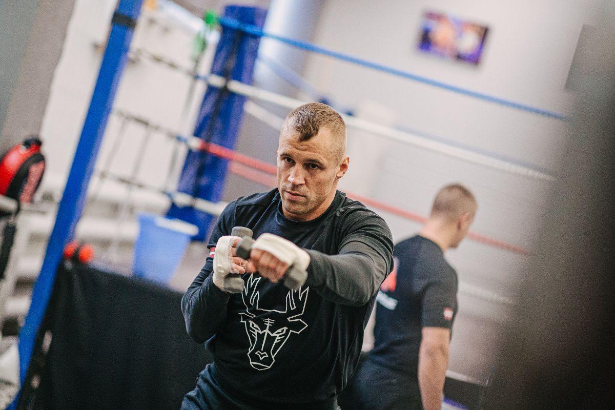 Resumen de entrenamiento de Mairis Briedis vs Artur Mann antes del choque de Riga