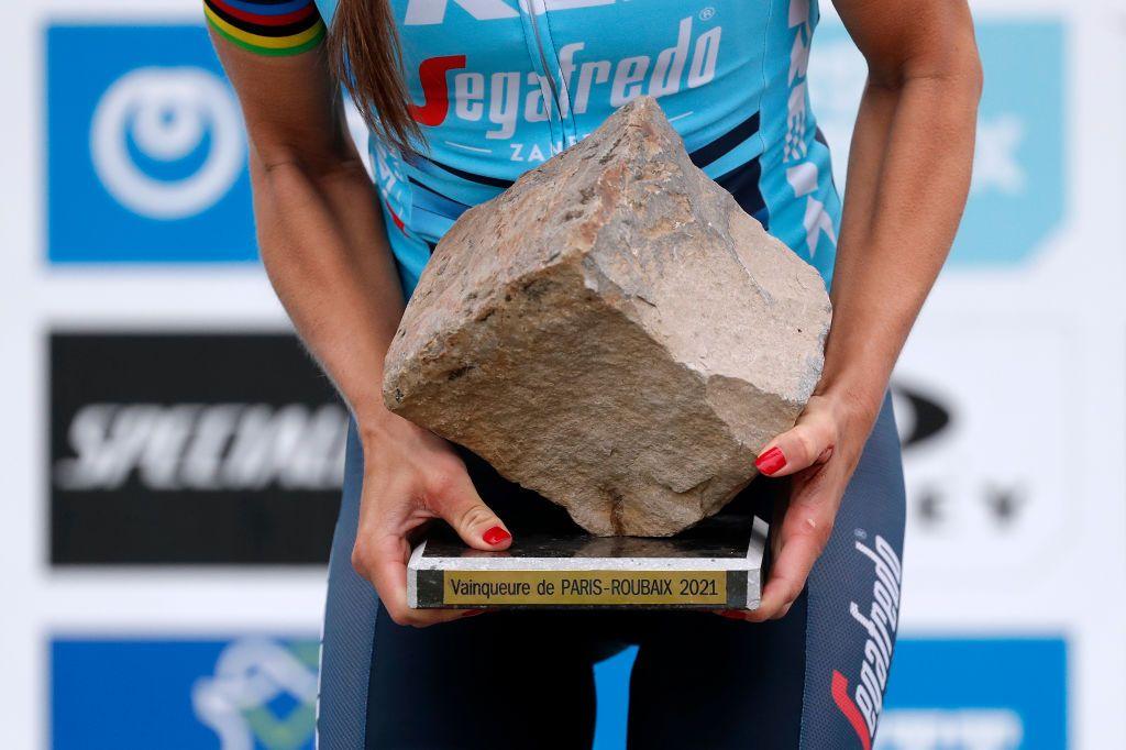 Slappendel: 'Tenemos que mirar a la UCI' con respecto a la desigualdad en premios en metálico París-Roubaix